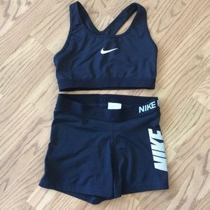 Nike sports bra and tights set